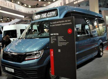 """""""Busworld Europe"""" parodoje Lietuvos gamintojo premjera pasaulinio koncerno MAN stende"""