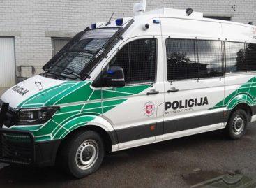Policija įsigijo 3 antiriaušinius mikroautobusus specialiosioms operacijoms ir renginiams