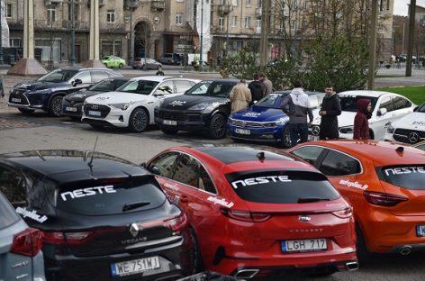 """Vilniaus centre prasidėjo rekordiniai """"Lietuvos metų automobilio 2020"""" rinkimai"""