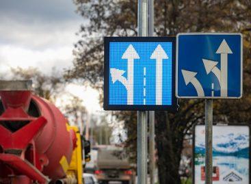 Sostinėje pirmieji kintami kelio ženklai – mažins spūstį Geležinio Vilko ir Žalgirio g. sankryžoje