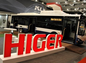 """""""Higer"""" stende Briuselyje – patogūs turistiniai ir elektriniai autobusai"""