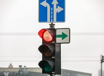 Lentelių su žaliomis rodyklėmis sostinėje neliko: kaip keičiasi eismo organizavimas?