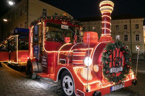 Kalėdų traukinukas jau vingiuoja sostinės gatvėmis