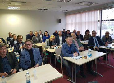 Šiauliuose Lietuvos keleivių vežimo asociacija minėjo pirmąsias veiklos metines ir svarstė aktualius klausimus