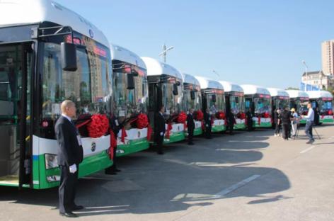 Kinijos Foshano miestas renkasi vandenilinius autobusus