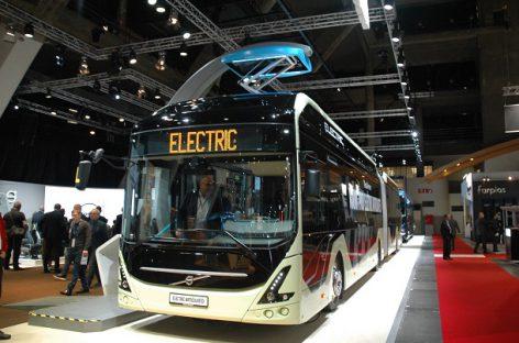 """Švedijos įmonė užsakė 60 sudvejintų elektrinių """"Volvo"""""""