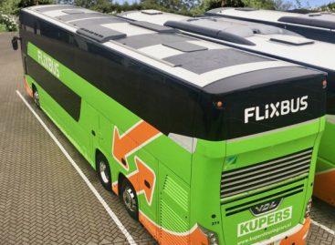 """Ant """"FlixBus"""" autobusų – saulės baterijos"""