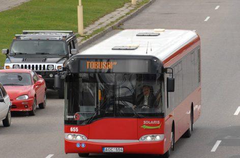Į Kauno viešąjį transportą grįžta prekyba bilietais ir keleivių įlipimas pro priekines duris