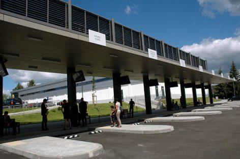Susisiekimo ministerija siūlo karantino metu riboti asmenų aptarnavimą stotyse ir keleivių terminaluose
