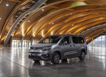 """Keleivinis komercinis """"Toyota Proace City Verso"""" atvyko į Lietuvą"""