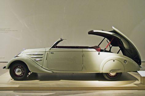 """""""Peugeot 402, 302, 202"""": modeliai, užėmę ypatingą vietą kompanijos istorijoje"""