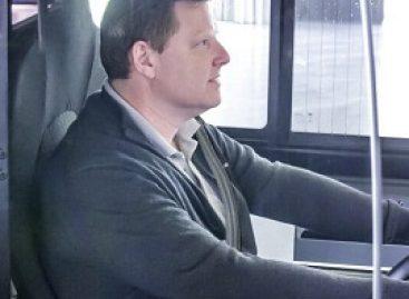 """""""Mercedes-Benz"""" siūlo sprendimus vairuotojo darbo vietai apsaugoti"""