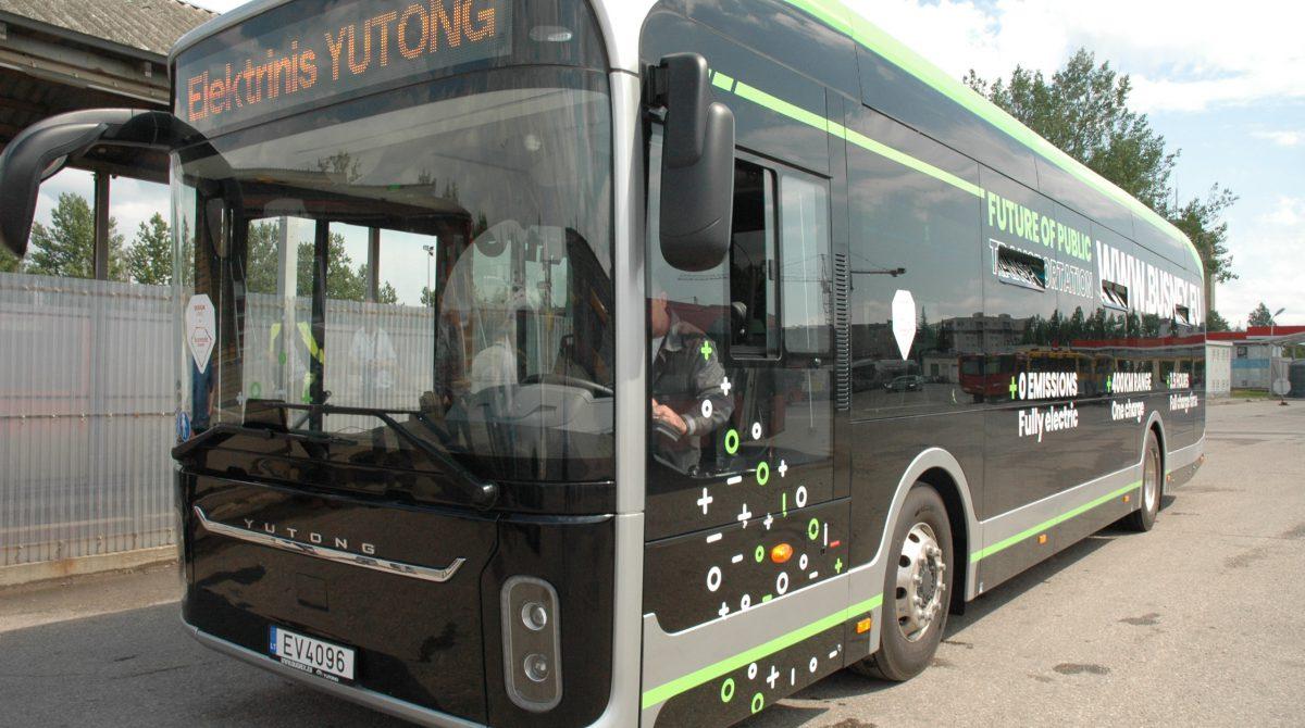 """Šiauliečiai galės išbandyti """"Yutong"""" autobusą"""
