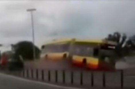Avariją sukėlęs nuo narkotikų apsvaigęs Varšuvos autobuso vairuotojas suimtas trims mėnesiams