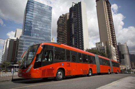"""Nauji """"Volvo"""" – atnaujintai Kuritibos BRT sistemai"""