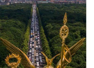 Protestuodami Vokietijos keleivių vežėjai blokavo Berlyno gatves