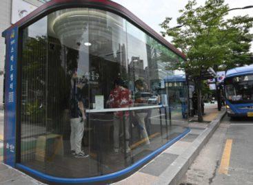 Pietų Korėjoje – nuo COVID-19 saugančios viešojo transporto stotelės