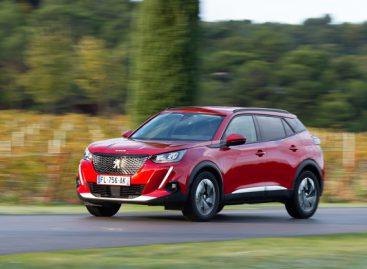 """""""Auto Bild"""" mažųjų SUV testas geriausiu išrinko """"Peugeot 2008"""""""