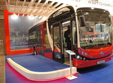 Kinijos miestai pereina prie elektrinių autobusų