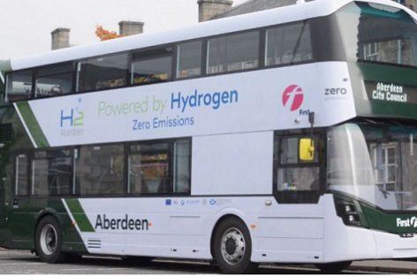 Škotijoje – pirmieji pasaulyje dviaukščiai vandeniliniai autobusai
