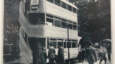 Triaukščiai autobusai: trumpa istorija