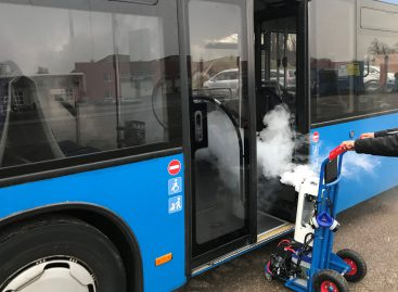 """""""Klaipėdos autobusų parkas"""" autobusus dezinfekuoja garu"""
