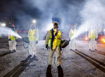 Kalėdinė dovana vilniečiams – į gatves išriedėję 300 garų patrankomis dezinfekuotų autobusų