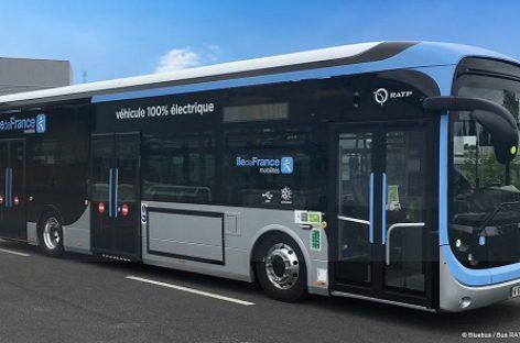 """Paryžiuje – daugiau nei šimtas elektrinių """"Bluebus"""""""
