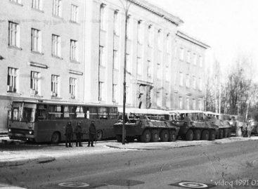 1991-ųjų sausį prie svarbiausių objektų palikti autobusai buvo niokojami