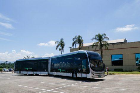 BYD pristatė itin originalų 22 m ilgio elektrinį autobusą