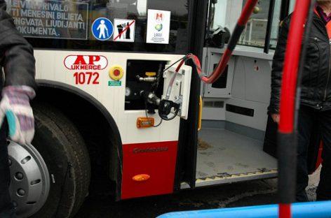 Gamtinės dujos ar dyzelinas: Europoje svarstyklės krypsta ekologiškumo link