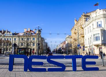 """""""Neste"""" istorija Lietuvoje: nuo pirmąkart atskraidinto Kalėdų senelio iki degalų be naftos"""