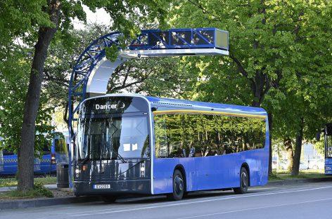 """Jau metus Klaipėdos autobusų parkas veža keleivius elektriniais """"Dancer"""""""