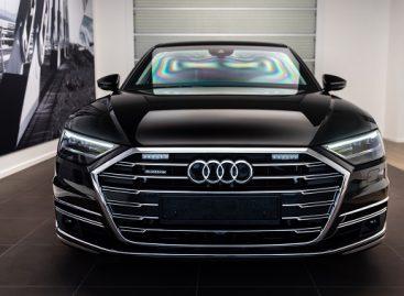 """Bendrovė TOKS įsigijo šarvuotą """"Audi A8L"""" ypač saugomiems keleiviams vežti"""