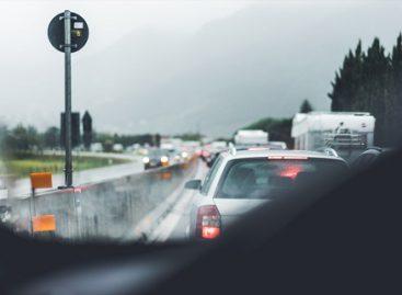 (Ne)naudingos automobilių technologijos: patogumas ar pavojus eismui?