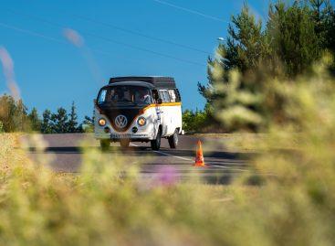 """Istorinių automobilių vairuotojų """"Press ralyje"""" laukia staigmenos: prireiks ir įgūdžių ir tikslumo"""