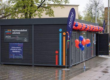 Vilniuje atidarytos multimodalinės aikštelės – naujiena dviračiais ir paspirtukais judantiems
