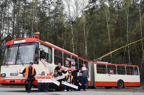 Viešojo transporto entuziastų iniciatyva: išsinuomojo troleibusą ir važinėjo juo po sostinę