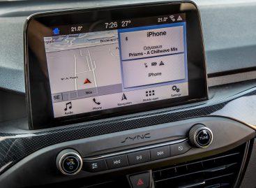 Automobilio funkcijų valdymas: ar fizinių mygtukų atsisakymas yra teisingas žingsnis?