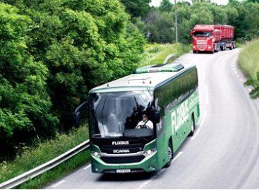 Suskystintomis biodujomis varomas turistinis autobusas veš keleivius iš Stokholmo į Oslą