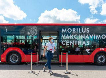 Mobilus vakcinavimo autobusas vingiuoja po Kauną: artimiausi sustojimai
