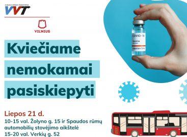 """Bendrovės """"Vilniaus viešasis transportas"""" autobusuose – mobilūs vakcinavimo centrai"""
