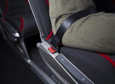 Primena, kaip pavojinga neprisisegti saugos diržų tolimojo susisiekimo autobusuose