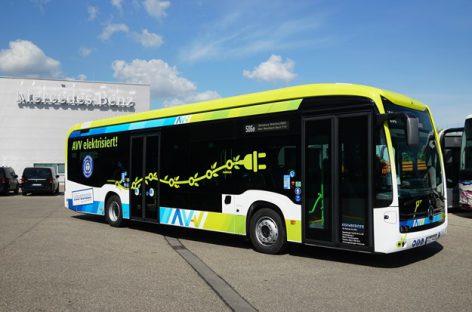 """Du elektriniai """"Mercedes-Benz e-Citaro"""" per metus nuvažiavo po 100 tūkst. kilometrų"""