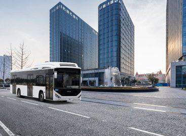 50 gamtinėmis dujomis varomų autobusų – Azerbaidžanui