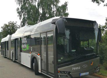 "Lietuvoje – elektrinis 18 m ilgio ""Solaris Urbino"""