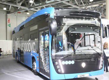 """""""Kamaz"""" pristatė vandenilinį autobusą"""