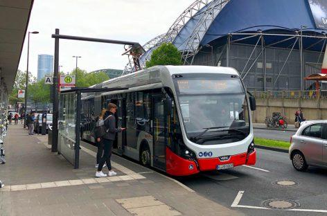 Vokietijoje elektriniai autobusai energija dalysis su traukiniais