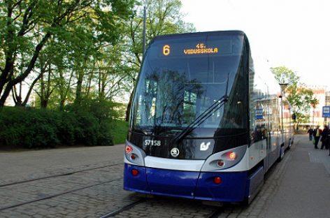 """Už kelionę """"Rīgas satiksme"""" transportu galima susimokėti nauju būdu"""